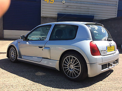 renault clio sport 3 0 v6 11 995 ono clio sport. Black Bedroom Furniture Sets. Home Design Ideas
