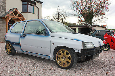 renault clio mk1 grand prix ltd edition 39k miles not williams clio sport. Black Bedroom Furniture Sets. Home Design Ideas